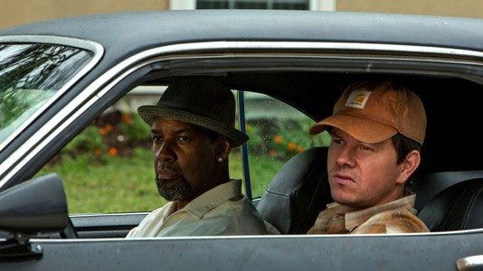 "Denzel Washington e Mark Wahlberg assaltam um banco no primeiro trailer de ""2 Guns"""