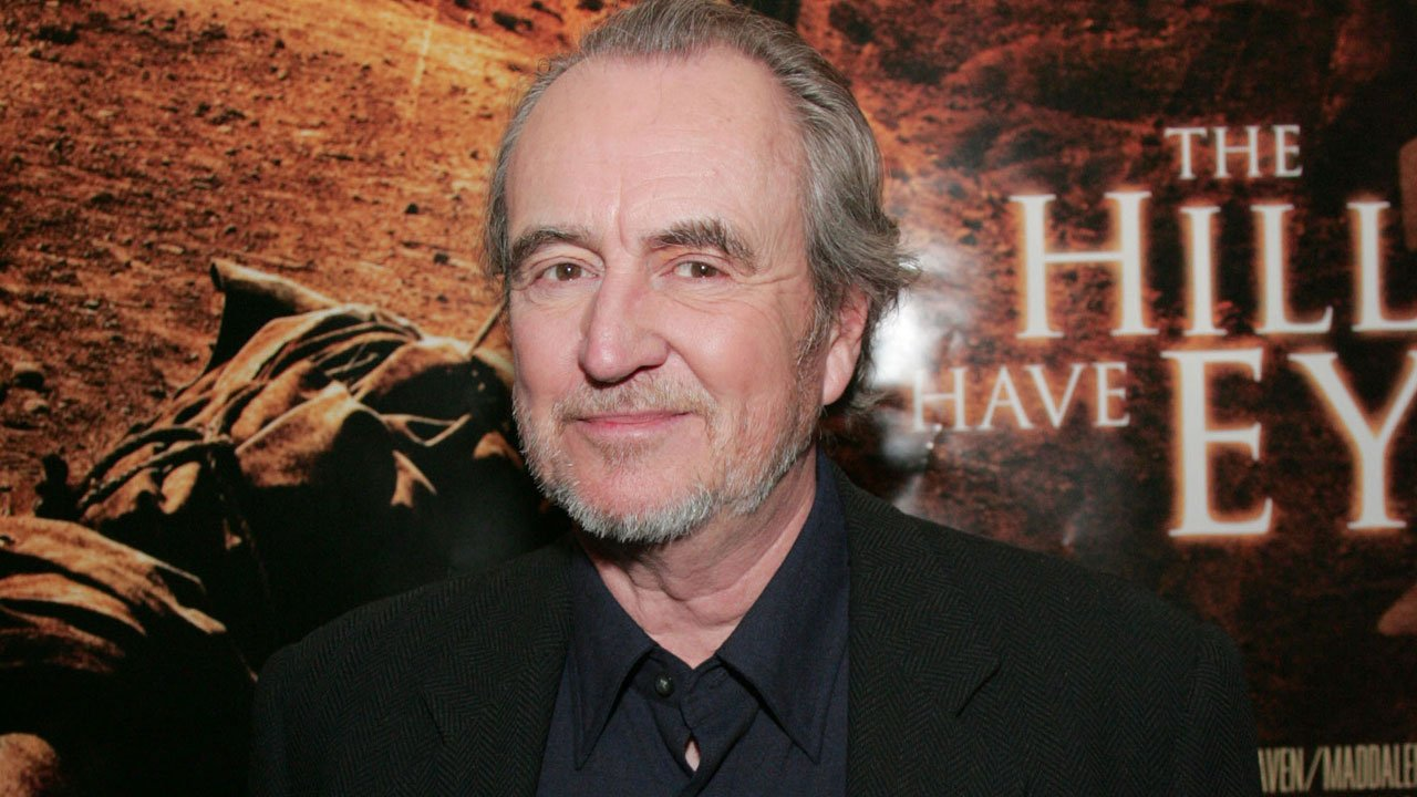 """O adeus a Wes Craven - criador de """"Pesadelo em Elm Street"""" e """"Gritos"""" morre aos 76 anos."""