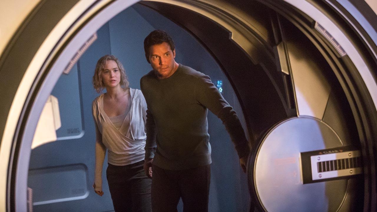 """Primeiro trailer de """"Passageiros"""" - amor no espaço com Jennifer Lawrence e Chris Pratt"""