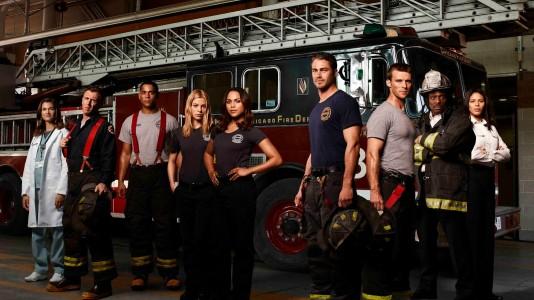 """""""Chicago Fire"""": nova série do criador de """"Lei e Ordem"""" estreia na próxima semana"""