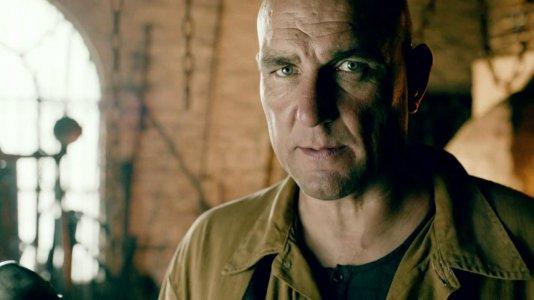 "Vinnie Jones vai ser o vilão Brick na série ""Arrow"""