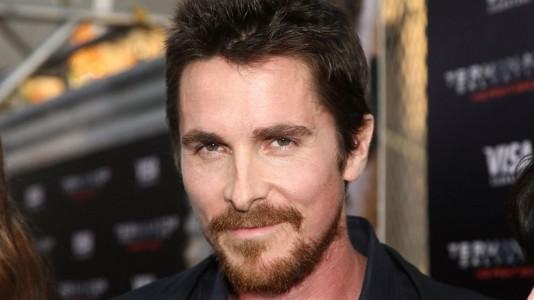 Christian Bale a caminho de se tornar Enzo Ferrari