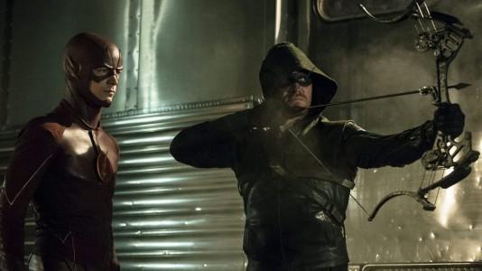 """""""The Flash"""" e """"Arrow"""" juntos: veja o trailer do crossover entre as duas séries"""