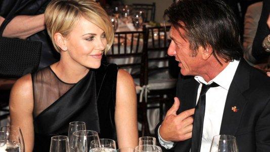 Charlize Theron e Sean Penn separados