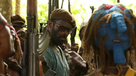 """Idris Elba é um senhor da guerra em """"Beasts of No Nation"""""""