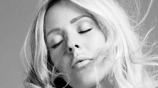 """Ellie Goulding lança novo single incluido na banda sonora do filme """"O Bebé de Bridget Jones"""""""