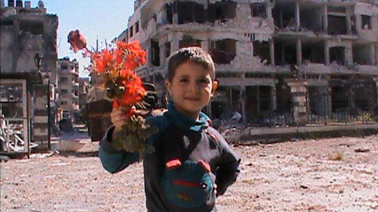 Água Prateada - Um Auto-Retrato da Síria / Ma'a al-Fidda -  Eau Argentée, Syrie Autoportrait (2014)