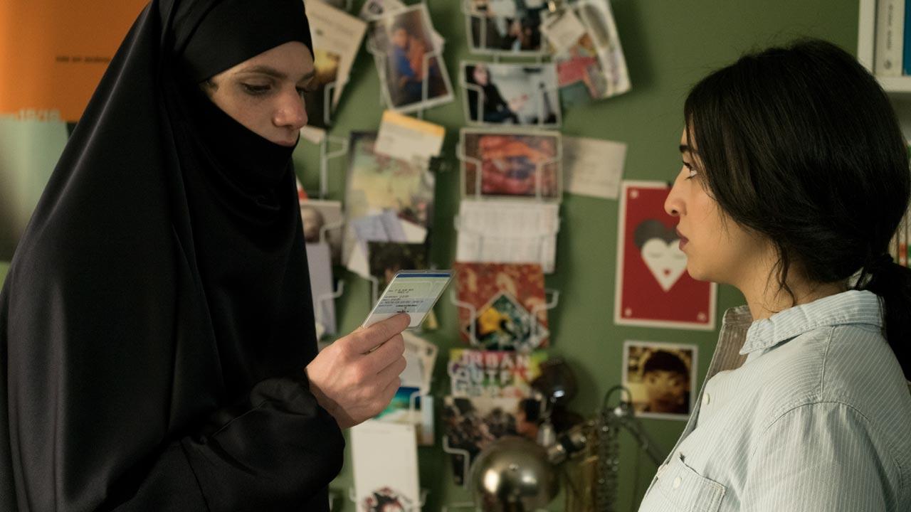 Há Quem Prefira de Véu / Cherchez la Femme (2017)
