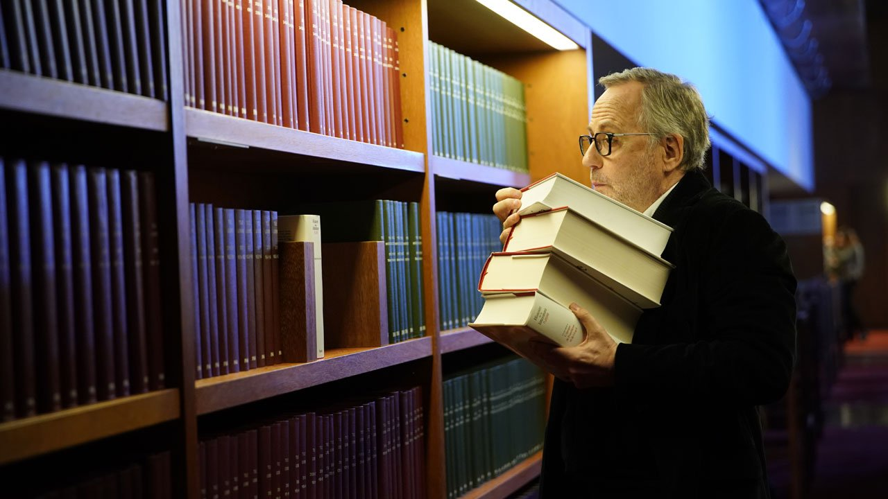 A Biblioteca dos Livros Rejeitados / Le Mystère Henri Pick (2019)