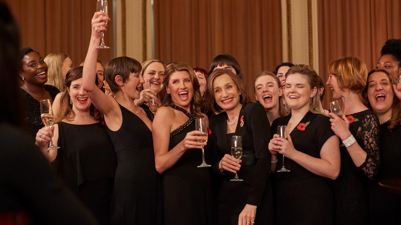 Mulheres de Armas / Military Wives (2020)