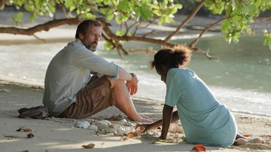 Hugh Laurie: a vida depois de Dr. House passa por uma ilha no sul do pacifico