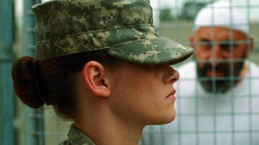 "Kristen Stewart regressa como guarda prisional em ""Camp X-Ray"""