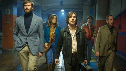 """Primeira imagem de """"Free Fire"""" - Brie Larson, Cillian Murphy e Armie Hammer no novo filme de Ben Wheatley"""