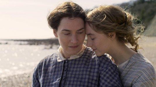 "Trailer de ""Ammonite"" com Kate Winslet e Saoirse Ronan"