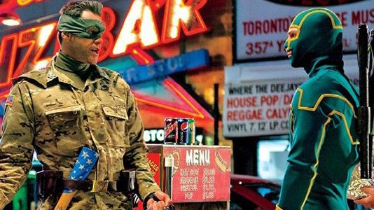 "Trailer e poster para ""Kick-Ass 2"""