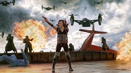 """Milla Jovovich volta a lutar contra zombies em """"Resident Evil: Retaliação"""""""