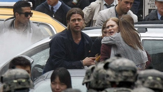 "Brad Pitt foge dos zombies no trailer de ""World War Z"""
