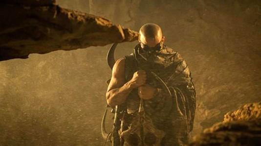 "Poster e novo trailer para ""Riddick"""