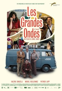 Poster do filme As Ondas de Abril / Les grandes ondes (à l'ouest) (2013)