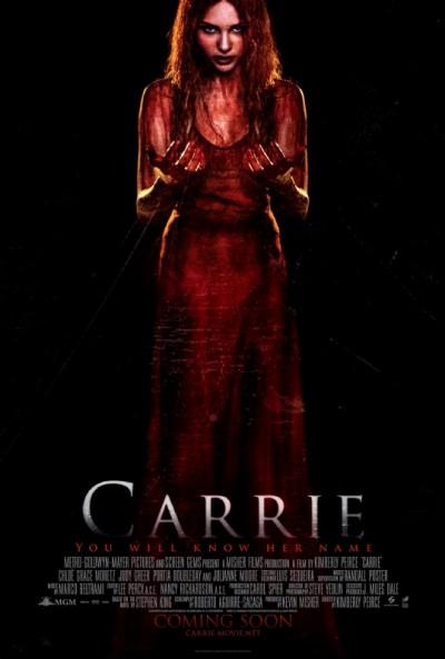 """Novo poster e mudança na data de estreia para """"Carrie"""""""