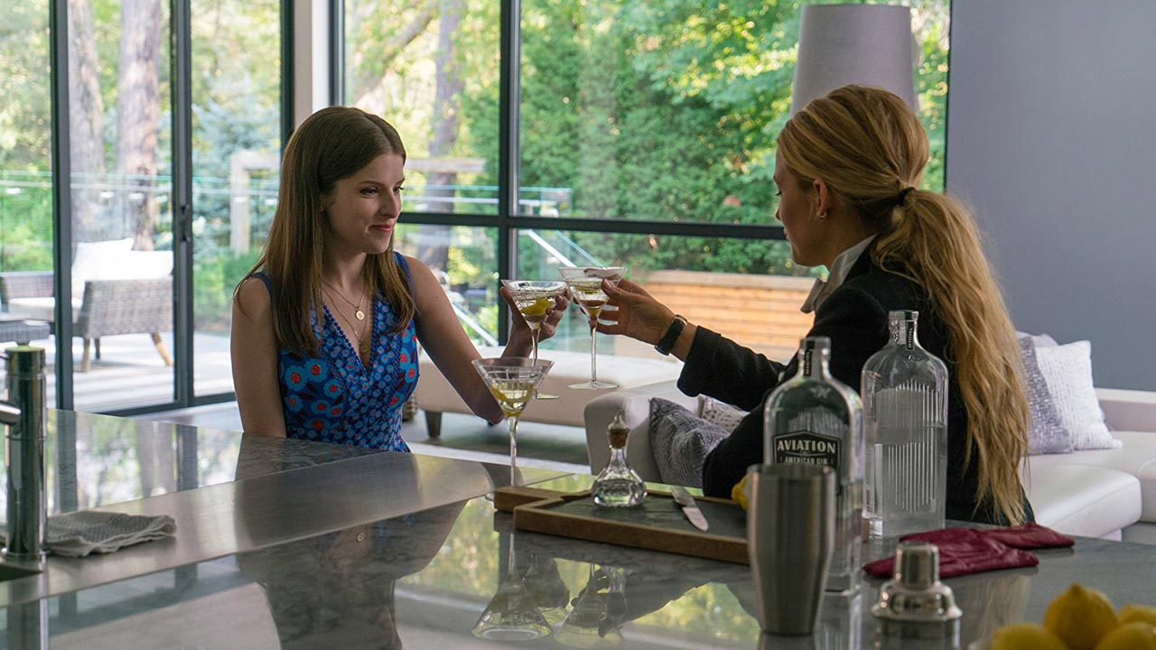"Primeiro trailer: ""A Simple Favor"" com Anna Kendrick e Blake Lively"
