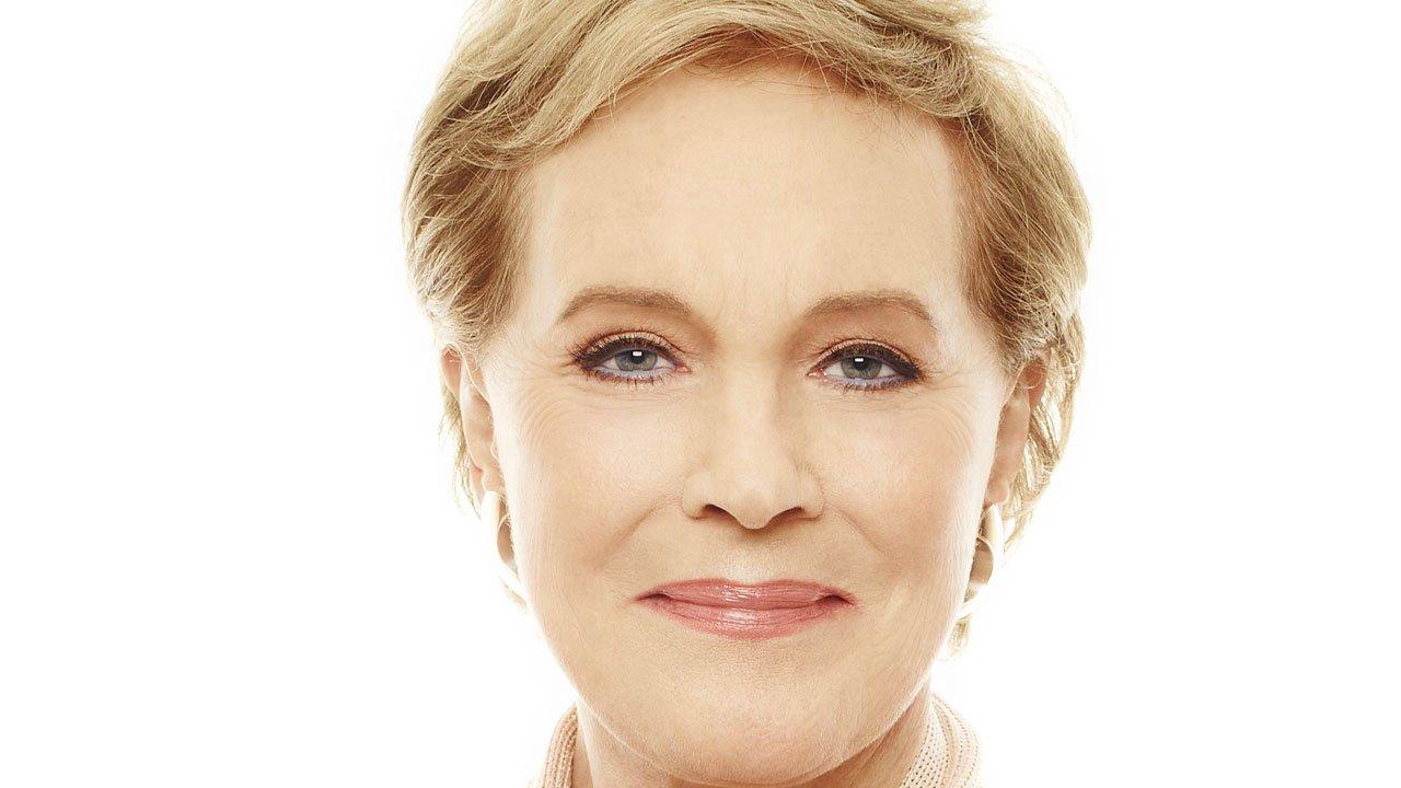 Julie Andrews será a voz de Lady Whistledown em série de Shonda Rhimes para a Netflix
