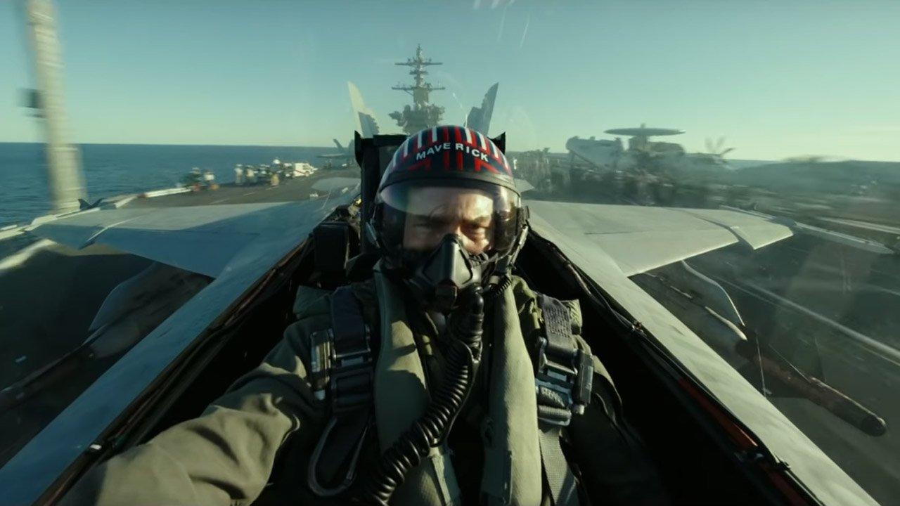 """Tom Cruise de surpresa na Comic-Con para apresentar trailer de """"Top Gun: Maverick"""""""