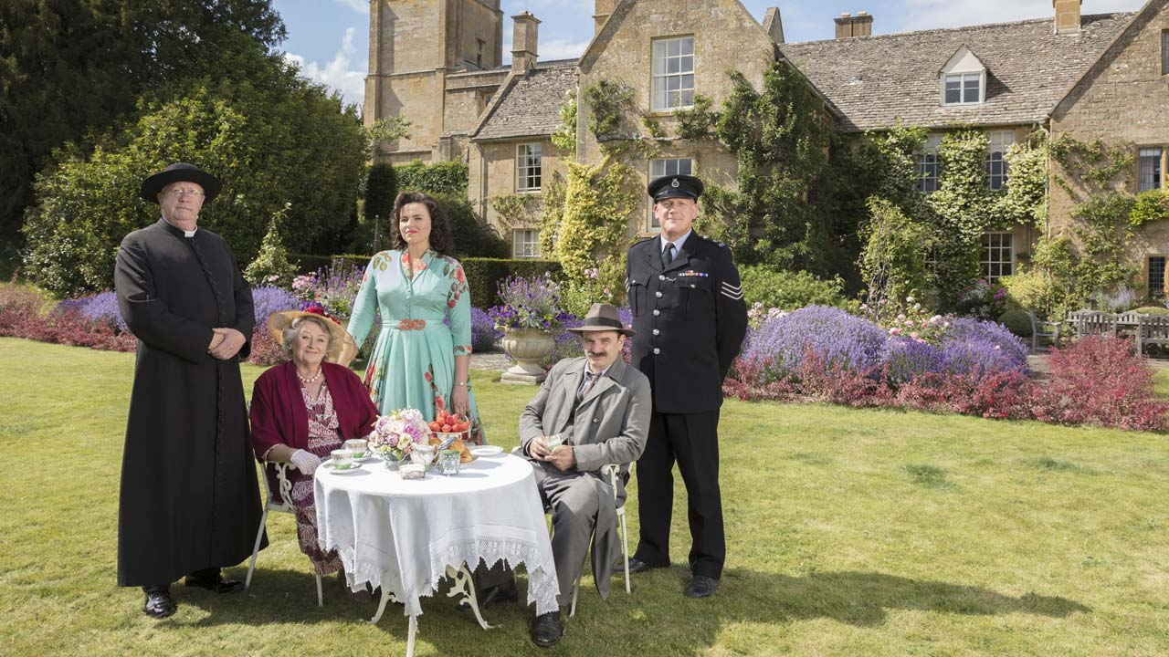 "BBC confirma oitava e nona temporada de ""Father Brown"""