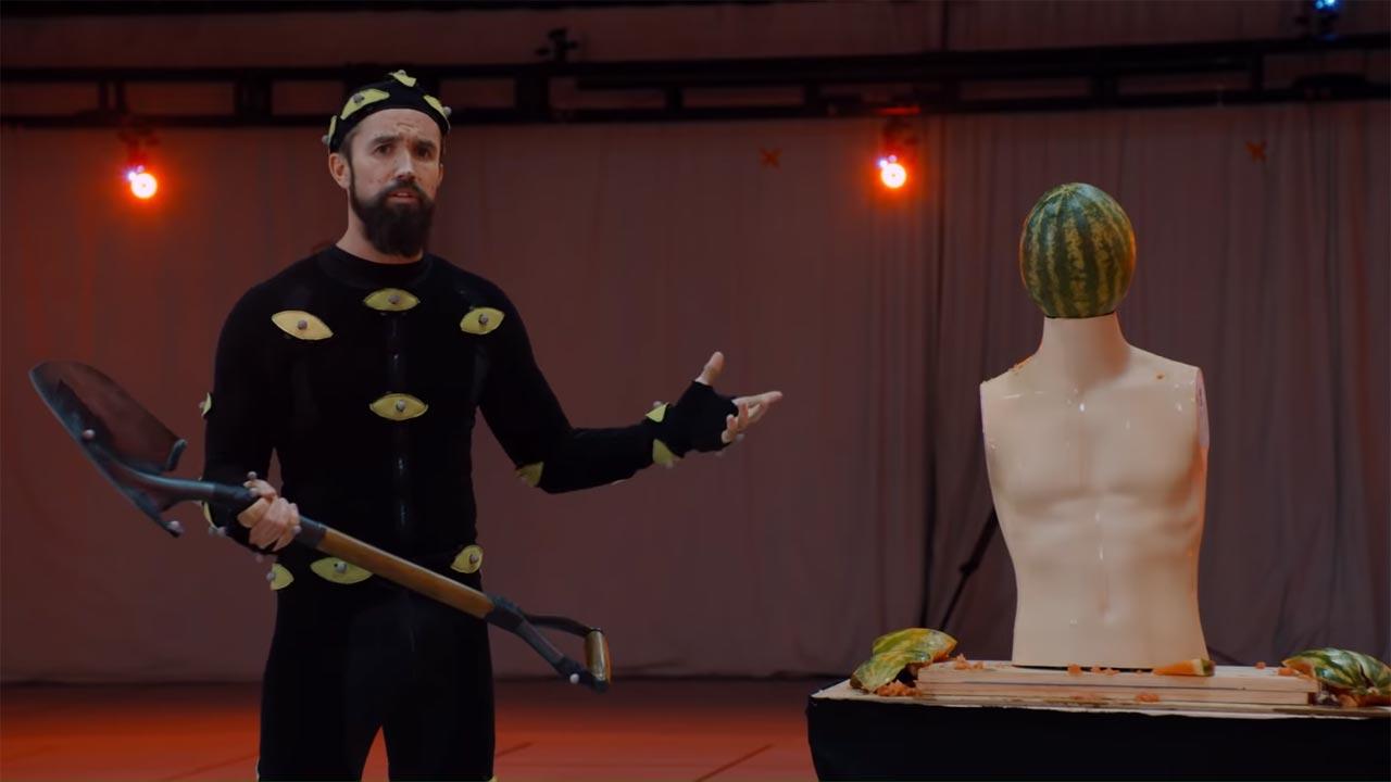 "Apple TV+ revela trailer de nova sitcom ""Mythic Quest: Raven's Banquet"""