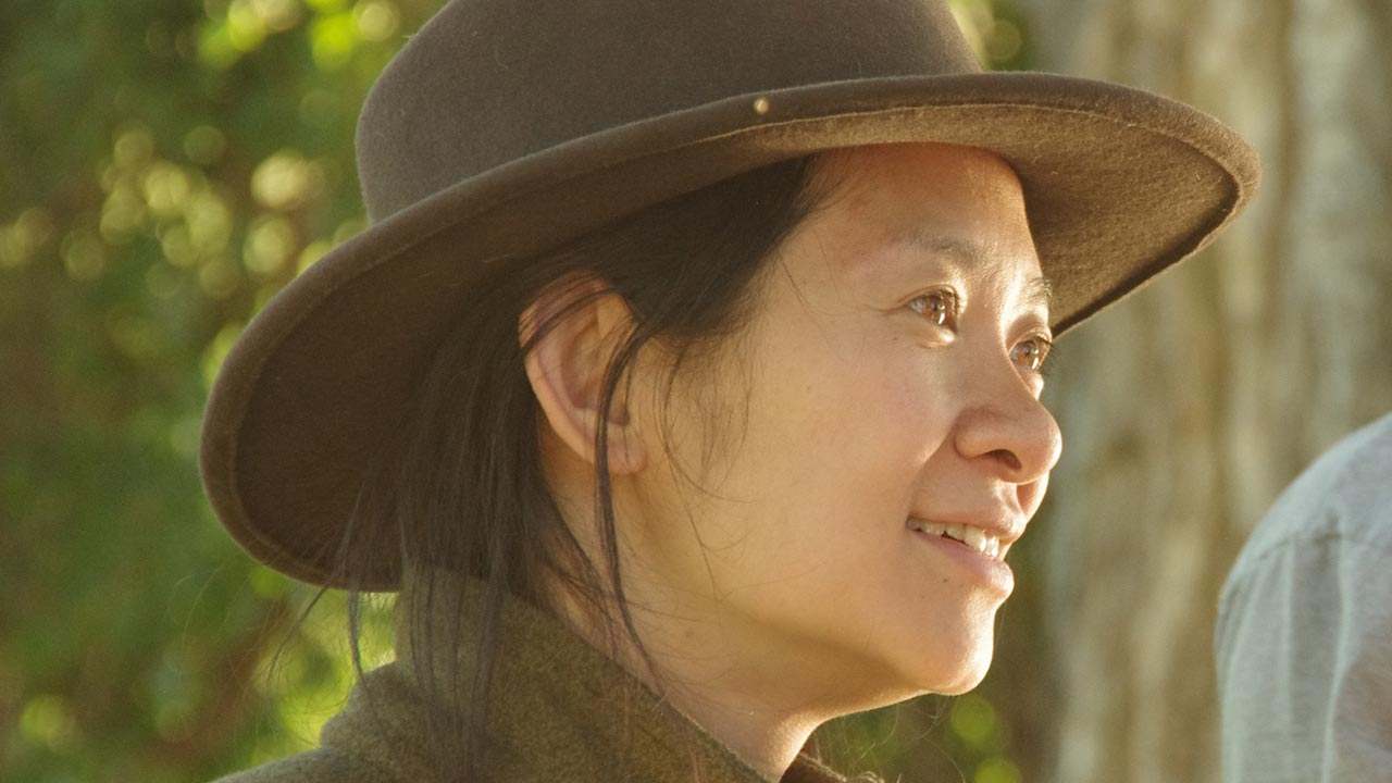 """Chloé Zhao de favorita aos Óscares a realizadora de """"Drácula"""""""