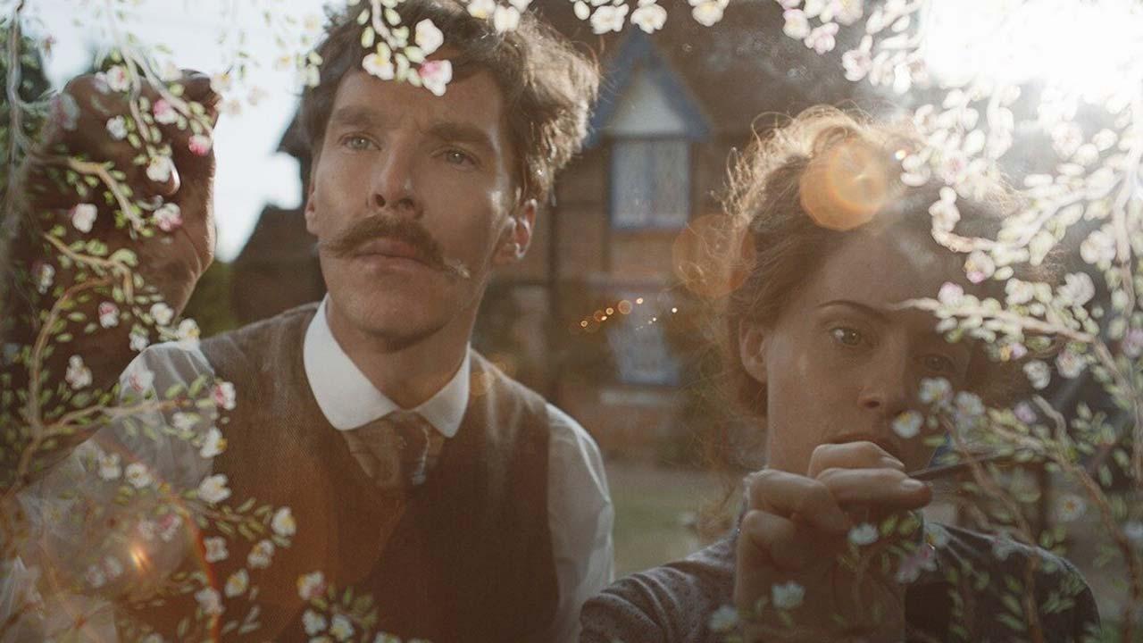 "The Electrical Life of Louis Wain 2/3: Benedict Cumberbatch e Claire Foy em ""The Electrical Life of Louis Wain"""