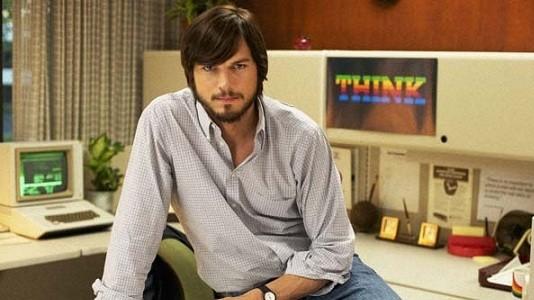 Ashton Kutcher surge como Steve Jobs