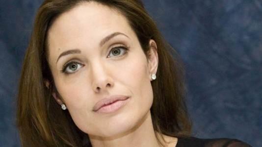 "Angelina Jolie vai realizar ""Unbroken"""