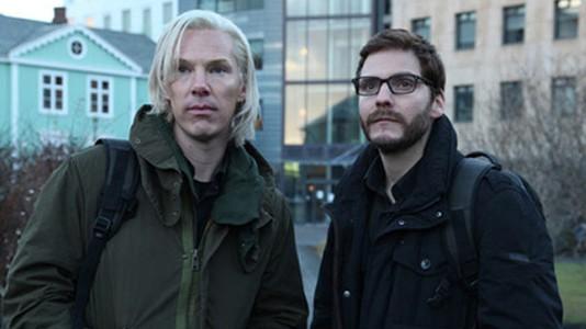 Julian Assange encarna em Benedict Cumberbatch