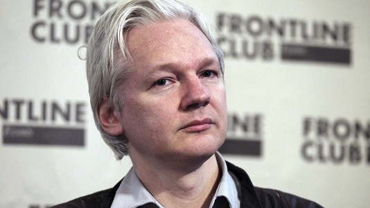 """The Fifth Estate"": Julian Assange critica filme sobre Wikileaks"