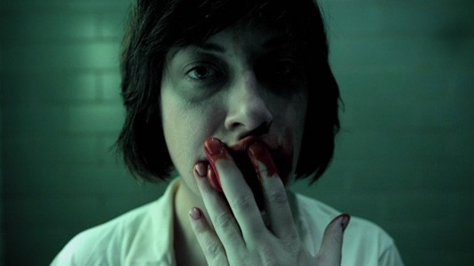 "Sangue! Choque! Horror! É o trailer de ""Sanitarium"""