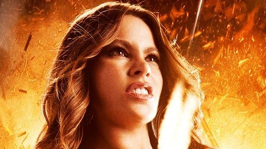"Sofia Vergara e o soutien assassino em ""Machete Kills"""