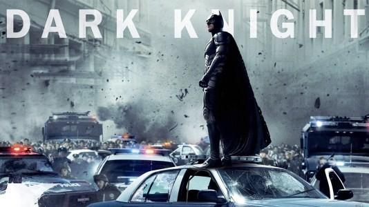 Banners do novo Batman mostram Gotham City em estado de guerra (actualizado)