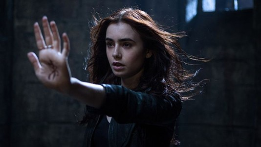 "Trailer e posters das personagens de ""The Mortal Instruments: City of Bones"""