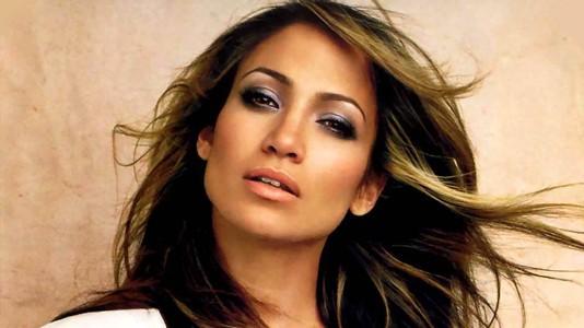 Jennifer Lopez atua no aniversário do líder do Turquemenistão