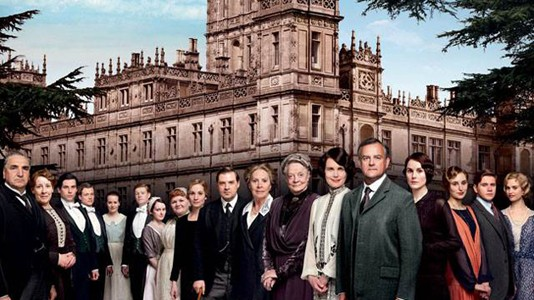 "Senhoras e senhores, a foto oficial do elenco da quarta temporada de ""Downton Abbey"""