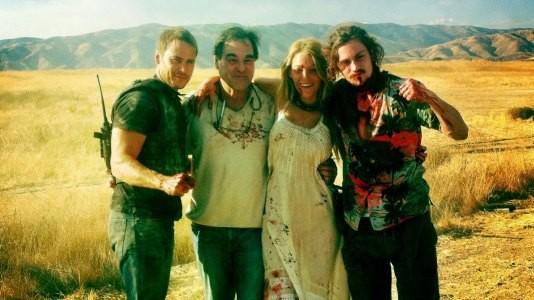"""""""Savages"""": Oliver Stone posa com o elenco do seu novo filme"""