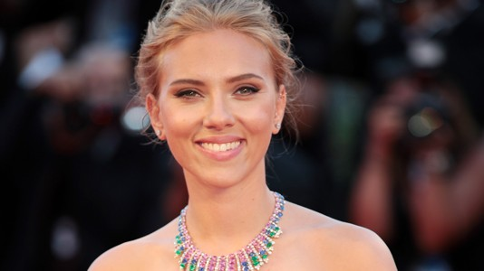 "Scarlett Johansson em Veneza apresenta o misterioso ""Under the Skin"""