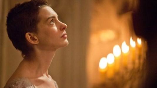 "Anne Hathaway brilha em ""Os Miseráveis"""