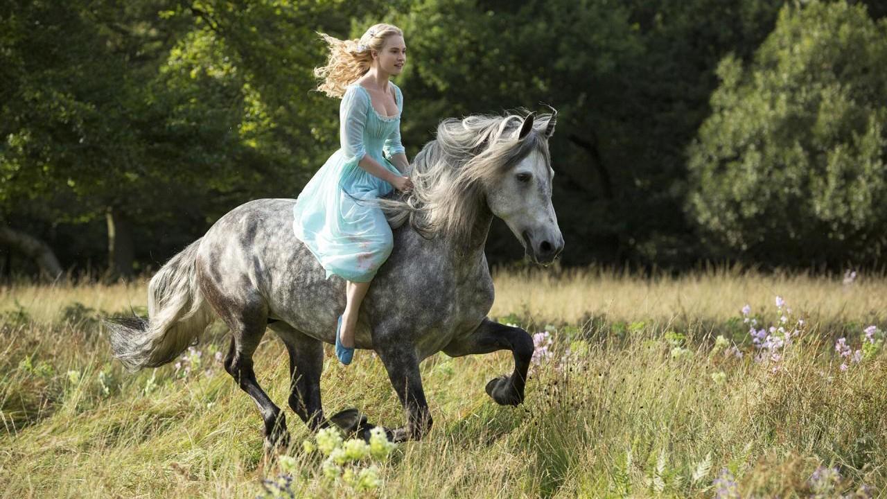 """Veja o primeiro teaser da nova versão de """"Cinderella"""""""