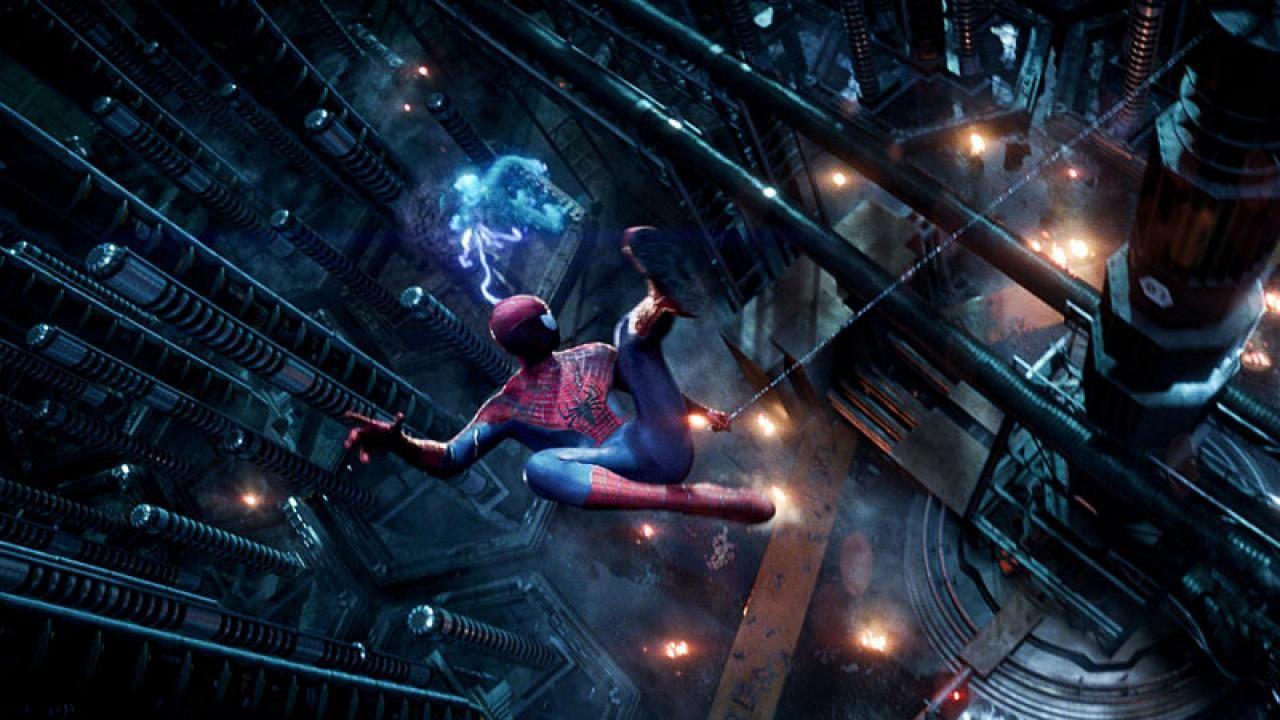 """Salte entre os edifícios com o poster em movimento de """"O Fantástico Homem-Aranha 2"""""""