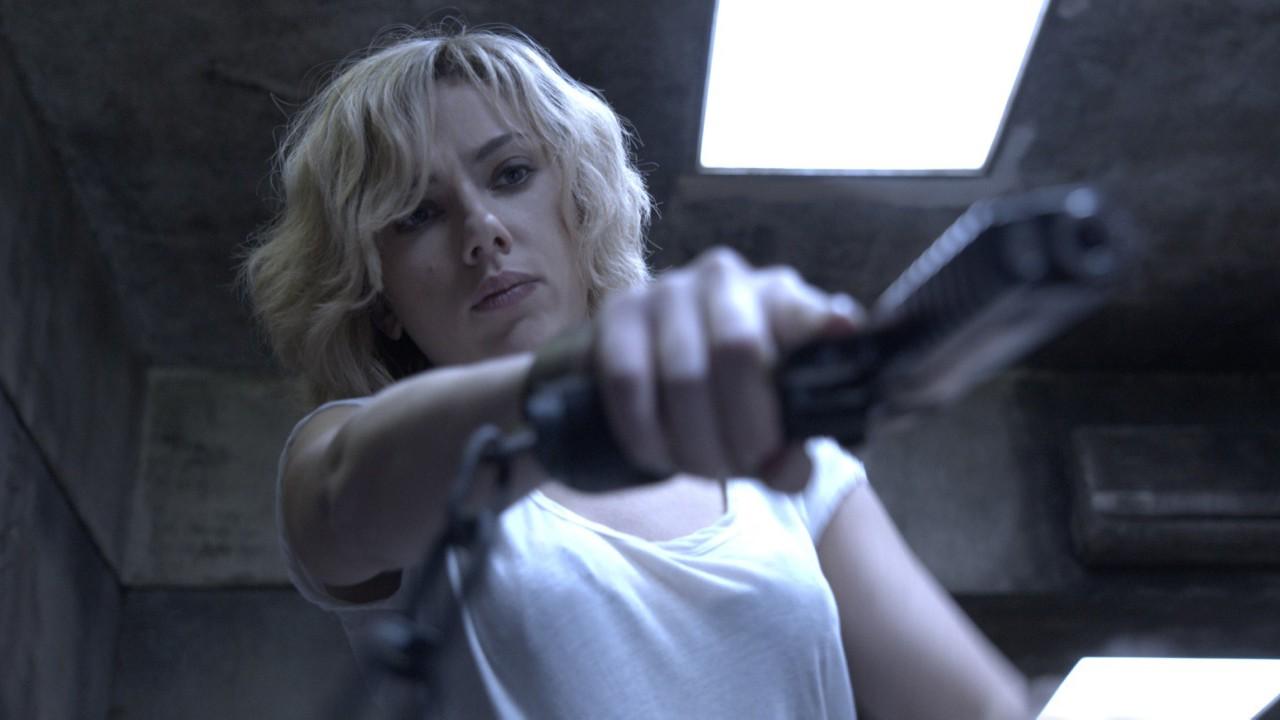 "Scarlett Johansson ganha super-poderes em ""Lucy"""
