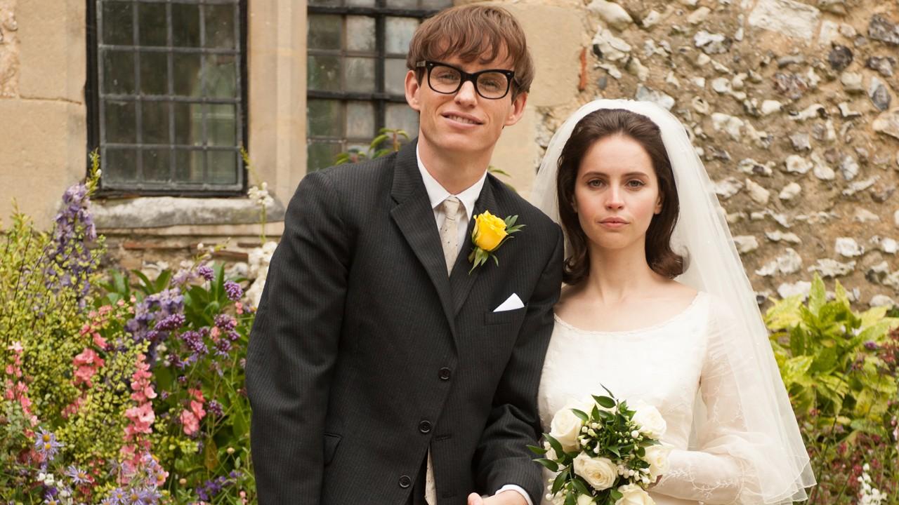 Primeira imagem da adaptação ao cinema da vida de Stephen Hawking