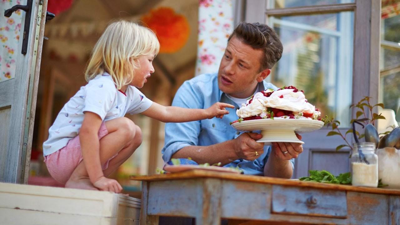 """24Kitchen e Jamie Oliver estreiam """"Receitas Que Nos Fazem Felizes"""""""