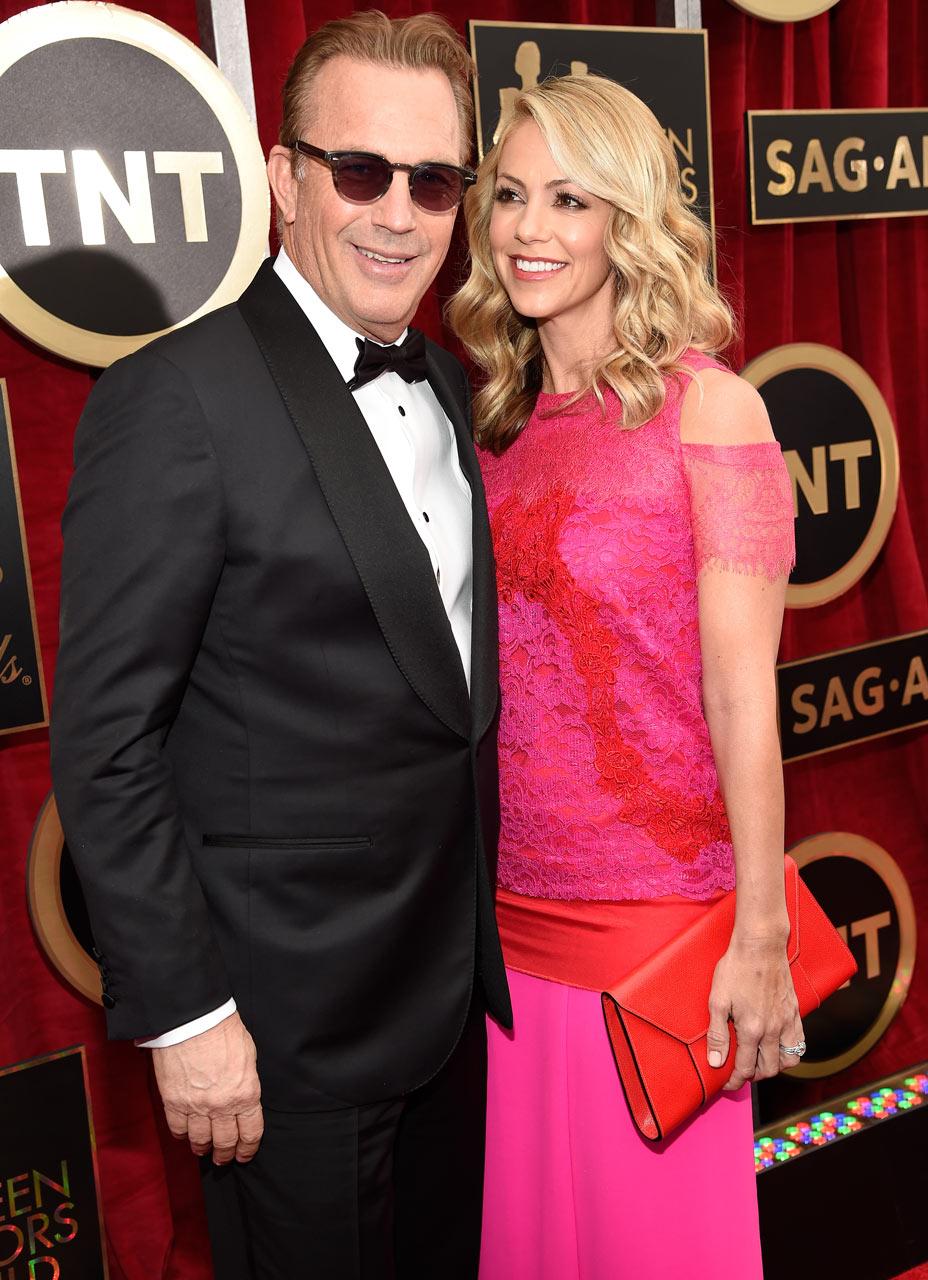 SAG Awards 2015 3/30: Kevin Costner e Christine Baumgartner (Foto Kevin Mazur/WireImage)